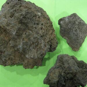 Камень лава за 1 кг.